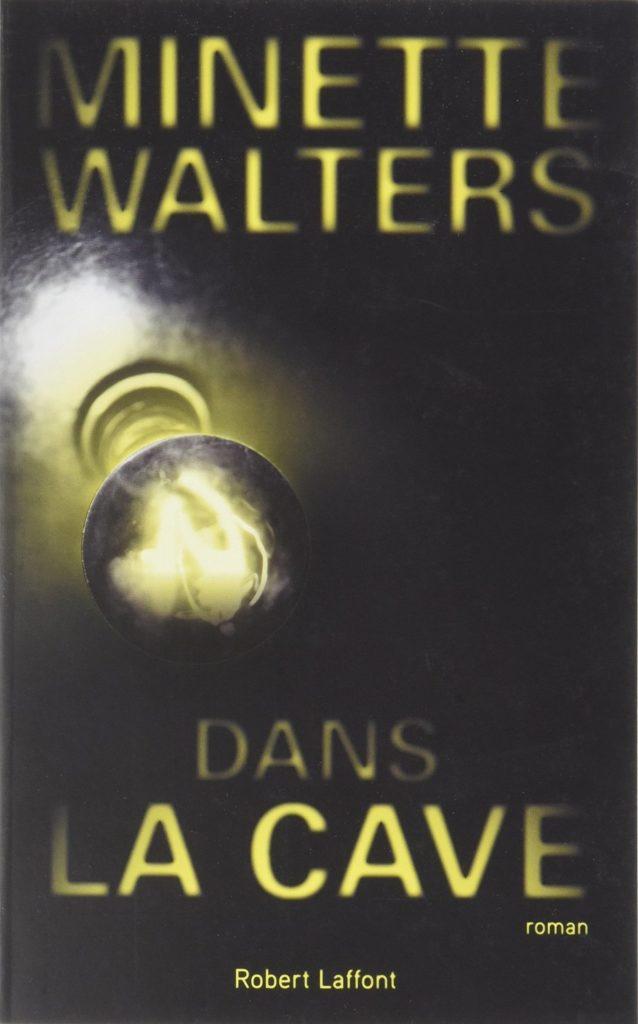 Dans la cave, Minette Walters, Overbooks